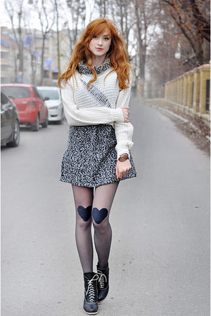 DIY tights - vintage dress
