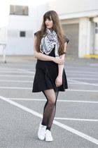 white Gaastra scarf