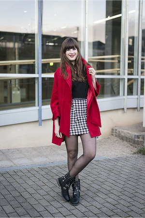 black Roland boots - red Chicwish coat - black H&M shirt