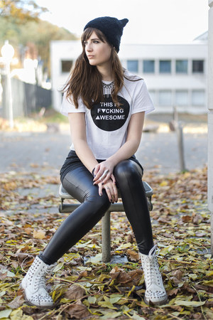 white Das Goldene Taxi top - black H&M hat - black asos leggings