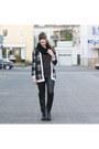 Black-oxmox-boots-black-ernstings-family-cardigan