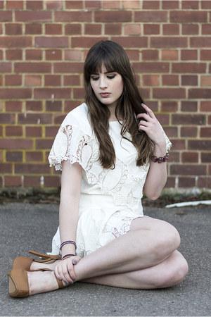 camel Bershka heels - off white PepaLoves dress