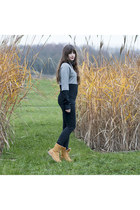 black Schwerelosigkite sweater - camel Timberland boots