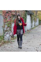 black sugarhil boutique sweater - dark brown Crocs boots - red Chicwish coat