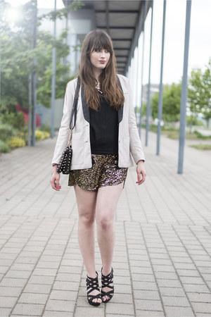 beige H&M blazer - gold H&M shorts