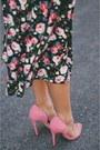 Black-floral-daintyjewells-dress-bubble-gum-pink-shoedazzle-heels
