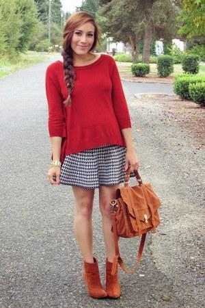 black skirt - tawny f21 boots