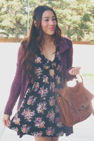 black floral Forever 21 dress - tawny Shoedazzle boots - tawny chicnova bag