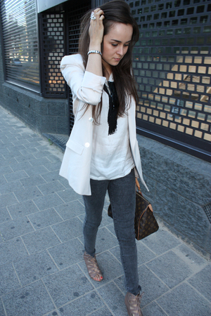 beige blazer - gray jeans - white shirt - brown purse - black necklace