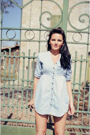 light blue clockhouse shirt - white fishbone shorts