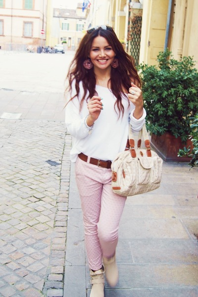 nude boots - white Ci Moda Italy shirt - cream Kenzia bag - nude Kenzia bag