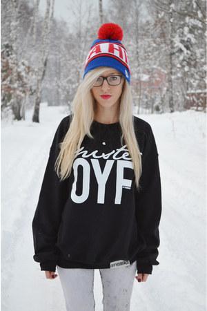 hat - sweatshirt
