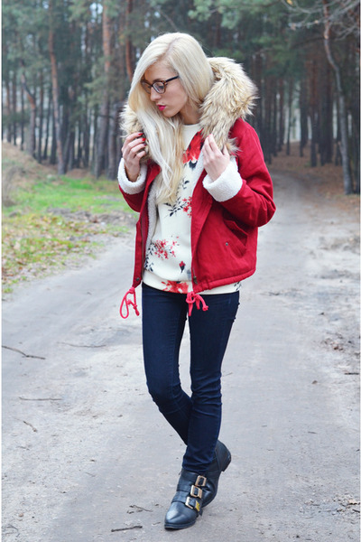 jacket - boots - sweatshirt