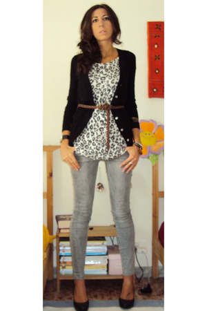 Zara jacket - Zara jeans - H&M t-shirt - H&M shoes - Sisley belt