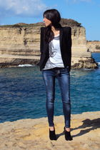 black Zara blazer - white united colors of benetton t-shirt - Zara jeans - black