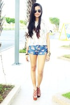 white lace H&M top - floral H&M shorts - tawny wedges