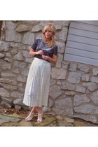 vintage skirt - vintage top - alloycom sandals