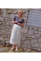 vintage skirt - vintage top - alloycom sandals