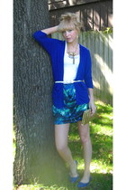 Forever 21 sweater - Forever 21 belt - Target skirt - Target shoes - vintage pur