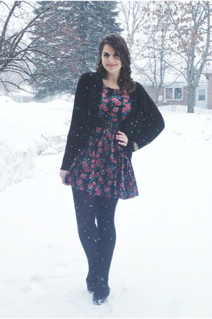 black Joe Fresh tights - maroon modcloth dress - black Forever 21 cardigan