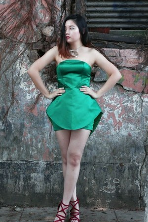 green unknown brand dress - brick red Zara heels
