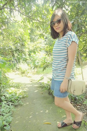 blue jean skirt - eggshell Parfois bag - navy vintage H&amp;M sunglasses