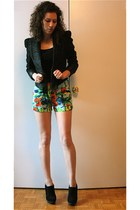 black nastygal blazer - floral print French Connection shorts - black Robin Kay