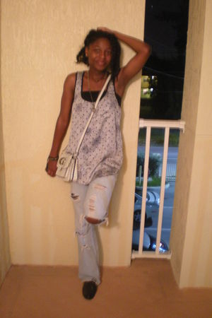 blue Nordstrom top - blue jeans - black m fisher shoes - white Guess bag