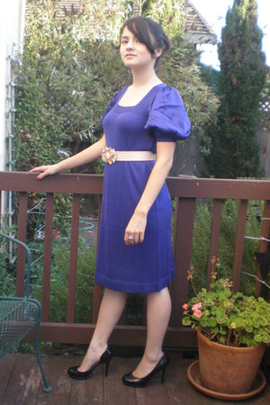 deep purple BCBG dress - gold belt - black patent Jessica Simpson heels