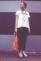 white monstore t-shirt - black bearhouse shoes - red baggu bag