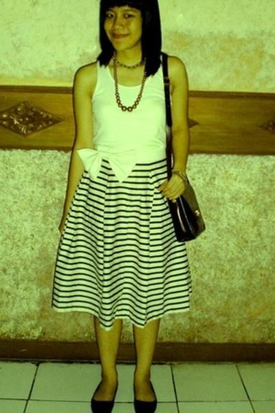 blouse - mooz belt - Braun Buffel purse - necklace - shoes -