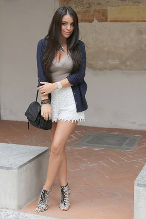 light brown cotton lace intimissimi top - black dark blue hollister shirt