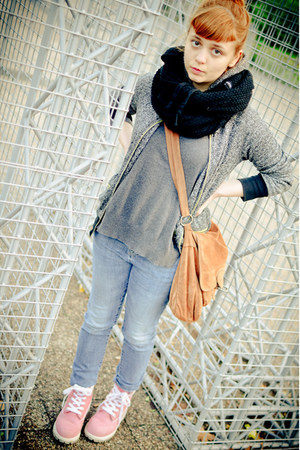 charcoal gray Zara sweater - pink Timberland boots - sky blue Cubus jeans