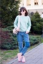sky blue mom jeans romwe jeans - light pink snakeskin asos bag