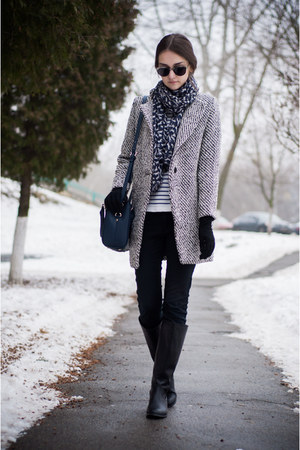 black Zara jeans - black pull&bear boots - gray Sheinside coat - navy Zara bag