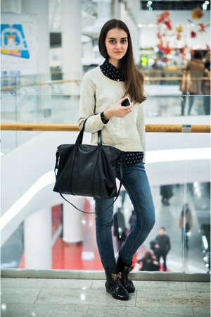 Zara bag - Anne Michelle boots - Bershka jeans - Gap shirt - Zara sweatshirt
