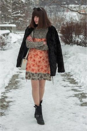black leather poustovit for braska boots - carrot orange fringe Zara dress