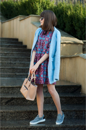 purple ruffles Sheinside dress - nude tote Zara bag