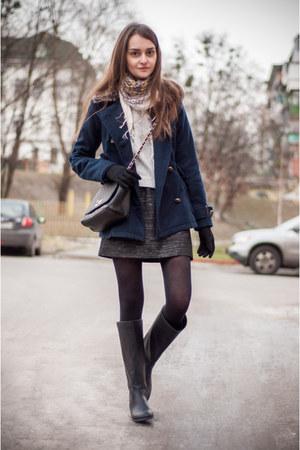 Zara scarf - pull&bear boots - pull&bear coat - Stradivarius bag - Zara skirt
