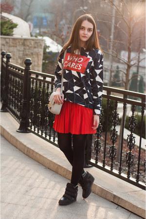 red pleated skirt Zara skirt - silver mini H&M bag