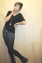 black American Apparel shirt - black stockings - blue shorts - silver H&M neckla