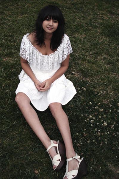 white lace vintage dress - white wedges Zara shoes
