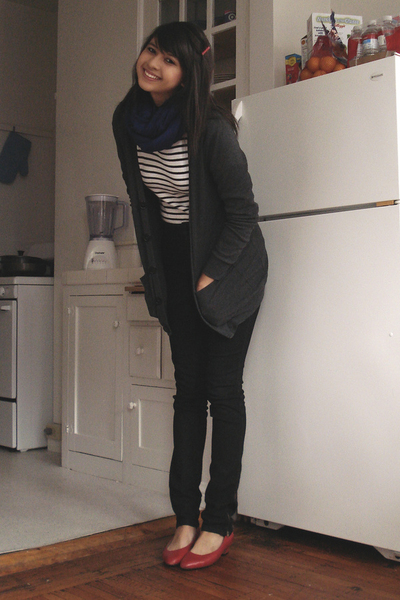 Lux jeans - thrifted - American Apparel sweater - vintage shoes