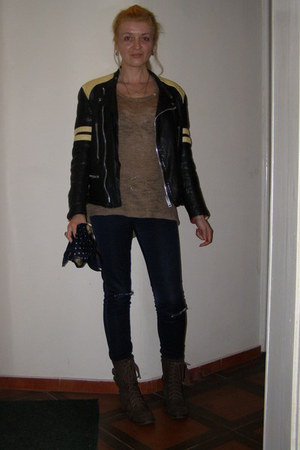 dark brown Lisa W boots - navy Glow jeans - black leather biker jacket
