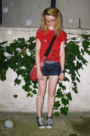 red emily the strange bag - black denim Stradivarius shorts