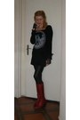 Ruby-red-leather-fly-london-boots-black-velvet-lan-de-mim-dress