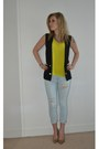 Yellow-tshirt-h-m-t-shirt-light-blue-jeans-zara-pants