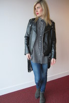 navy skinny jeans River Island jeans - black faux leather Nelly jacket
