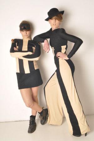 beige Anas Ribes dress - black