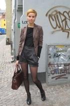 whyred shorts - Patrizia Pepe blouse